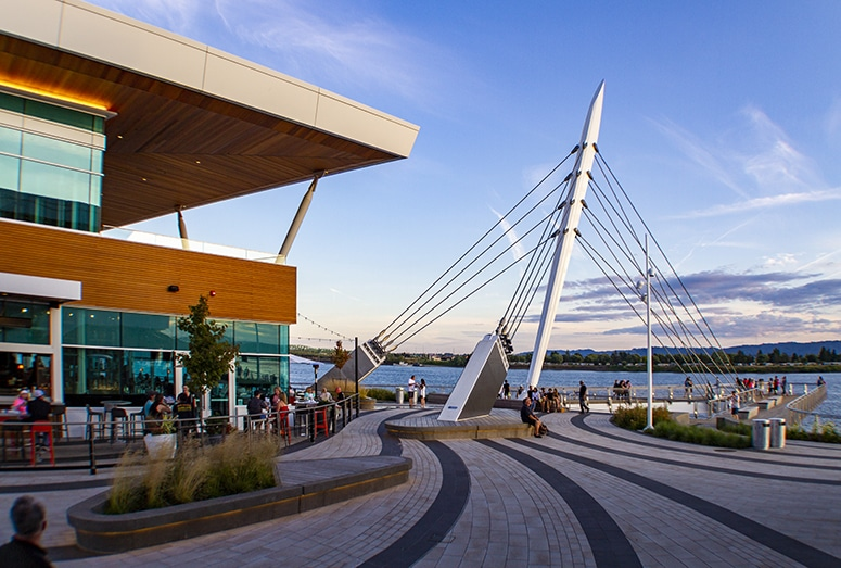 shopping and retail in new Vancouver waterfront